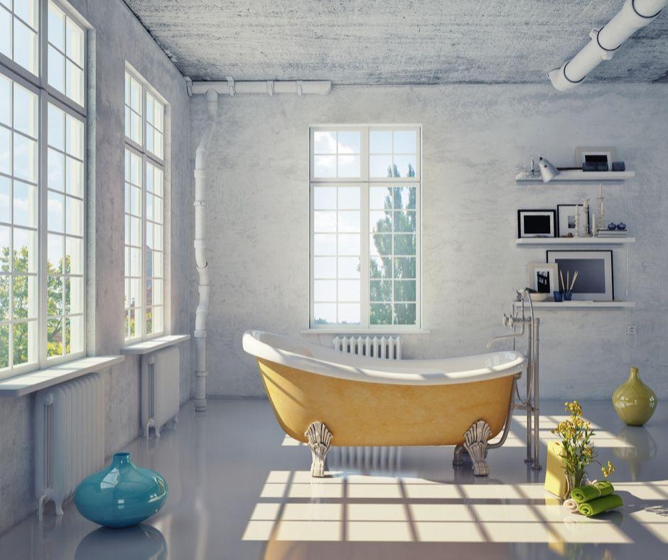 Gult badkar är placerat i vardagsrummet.