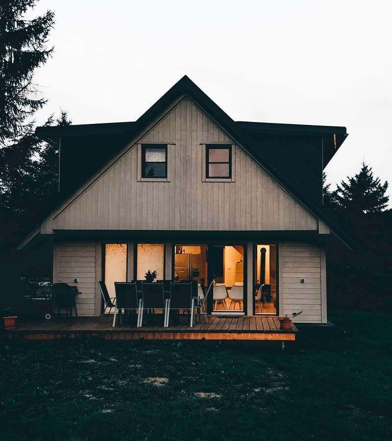 En villa med en altan