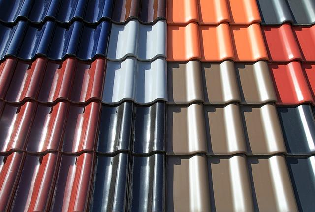 Takpannor i olika färger.